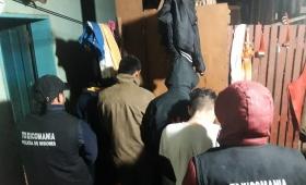 Desarman narco-kiosco y detienen a ocho personas
