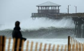 """El Huracán Florence bajó de categoría, pero """"El peligro potencial sigue siendo alto"""""""