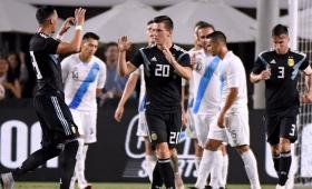 La Selección argentina goleó 3-0 a Guatemala