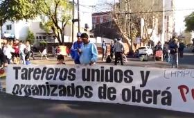 Tareferos de Oberá protestan frente a la Anses