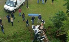 Camioneta cayó al vacío en la zona de la Cascada