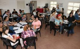 La EBY y Desarrollo Social capacitaron a 30 emprendedores