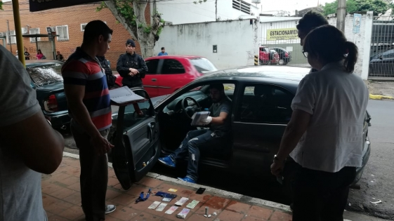 Detienen a un hombre con cocaína a metros de la municipalidad