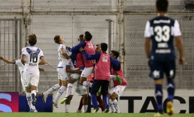 Vélez venció a Gimnasia y sigue invicto como local