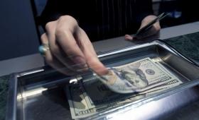 Baja el dólar a $38 para la venta en el Banco Nación