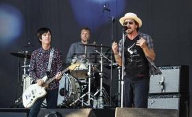 Eddie Vedder y Johnny Marr interpretaron un clásico de The Smiths