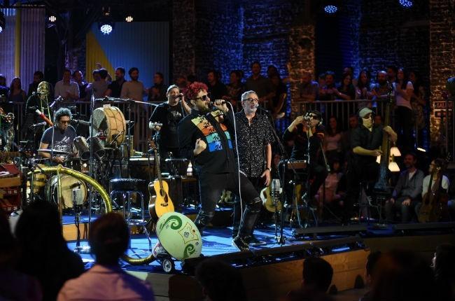 Los auténticos decadentes versión MTV Unplugged