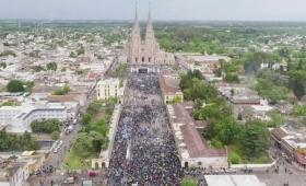 """Moyano encabezó una marcha por """"pan, paz y trabajo"""""""
