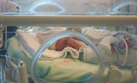 """Joven pareja denunció que """"les cambiaron el bebé"""" en un hospital"""