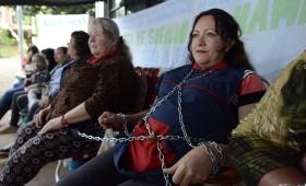 Trabajadoras celebrarán el día de la madre encadenadas