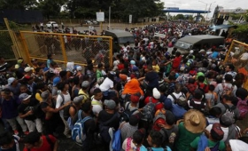 Trump castiga a Honduras y Guatemala por la caravana