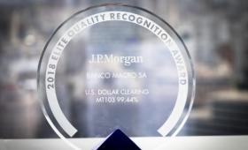 Macro recibió el premio a la excelencia de JP Morgan