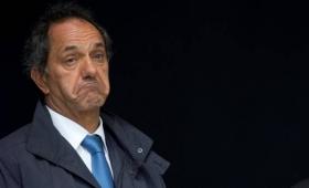 Scioli, dice que se defenderá de la acusación de recibir dádivas