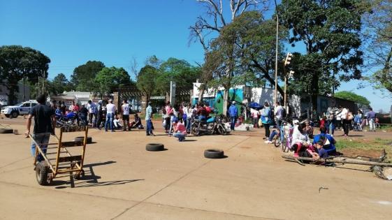 Corte frente al Mercado: recrudece el reclamo por relocalizaciones
