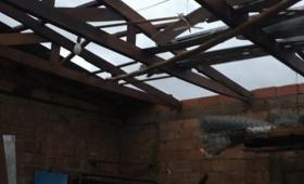 Tormenta: hubo voladura de techos en varias localidades
