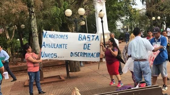 Vendedores ambulantes recurren a Derechos Humanos