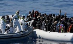 Italia permite entrar a migrantes de África
