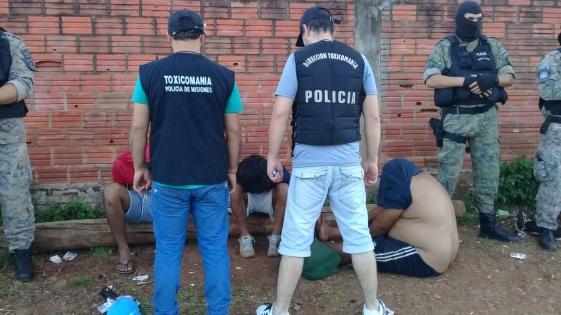 Desbarataron otros dos narco-kioscos y hubo 12 detenidos
