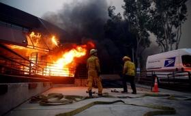 Ascienden a al menos 44 los muertos por el incendio en California