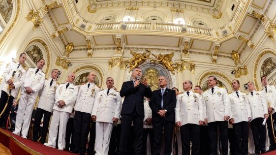Macri entregó atributos a oficiales de Fuerzas Armadas