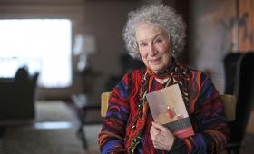 """Margaret Atwood publicará la secuela de """"El cuento de la criada"""" en 2019"""