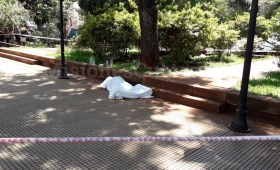 Murió un hombre en plena Plaza 9 de Julio