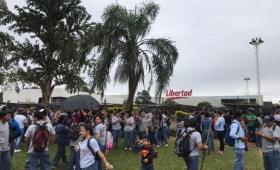 Nueva protesta frente al Hipermercado Libertad