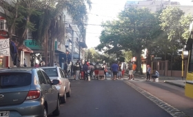 Tareferos endurecieron la protesta en Posadas