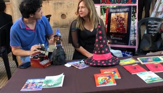 """""""Escritoras en Voz Alta"""" participaron de festival solidario"""