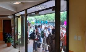 Eldorado: manifestación social frente a la municipalidad