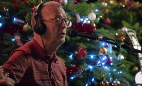 'White Christmas' es el nuevo video de Eric Clapton