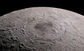 Multimillonario japonés viajará a la Luna