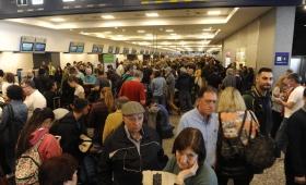 Más de 26 mil pasajeros afectados por el paro en Aerolíneas