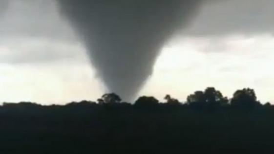 Video: un tornado afectó al norte de la provincia de Santa Fe