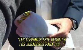 El plantel de Boca recibirá una bandera de los hinchas fallecidos