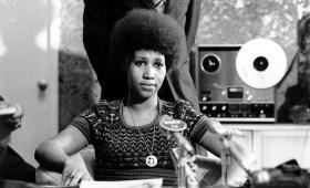 Estrenan documental de Sydney Pollack sobre Aretha Franklin