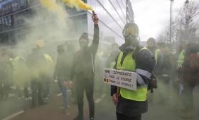 """Francia: """"chalecos amarillos» realizaron su décima novena marcha"""