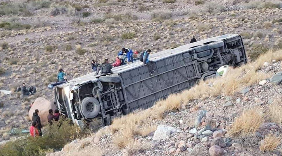 Tres muertos y varios heridos en un accidente — Mendoza