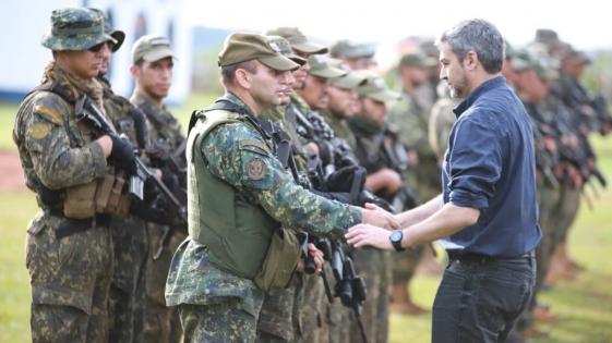 Abdo Benítez respaldó a militares contra la guerrilla