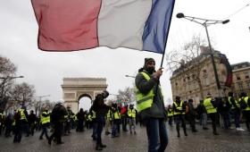 Arrestan a 120 personas en la marcha de los «chalecos amarillos»