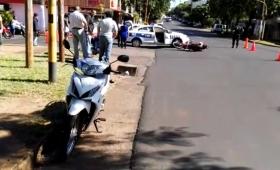 Mujer herida en choque de motos