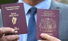 Récord de británicos solicitando pasaporte irlandés por el Brexit