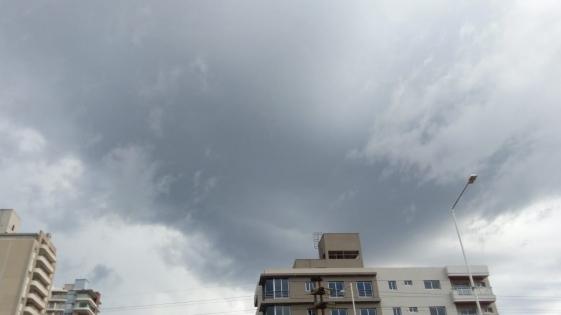 Tiempo: lluvias y tormentas para hoy