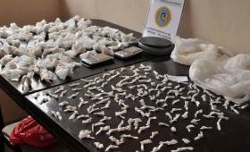 Secuestran 8 mil dosis de paco, cocaína y marihuana