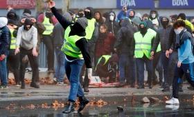 """Se expanden las protestas de los """"chalecos amarillos"""" a Bélgica y Holanda"""