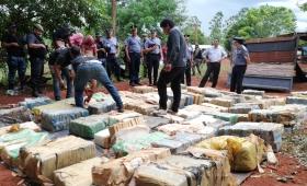Secuestraron camión repleto de droga en Eldorado