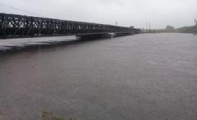 Corrientes: corte en ruta 12 en el Arroyo Guazú