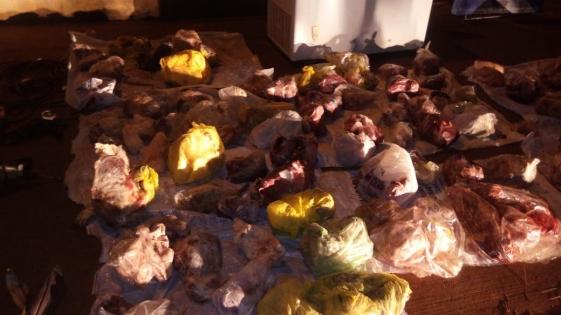 Dos detenidos con más de 100 bolsas de carne robada