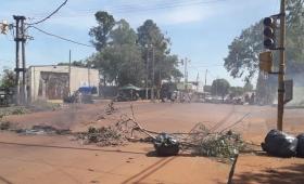 Itaembé Miní: vecinos de Barrio Belén cortan la avenida 147