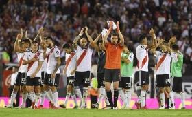 River goleó a Independiente en el Monumental